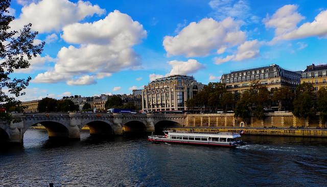 Paris / Samaritaine et Pont Neuf