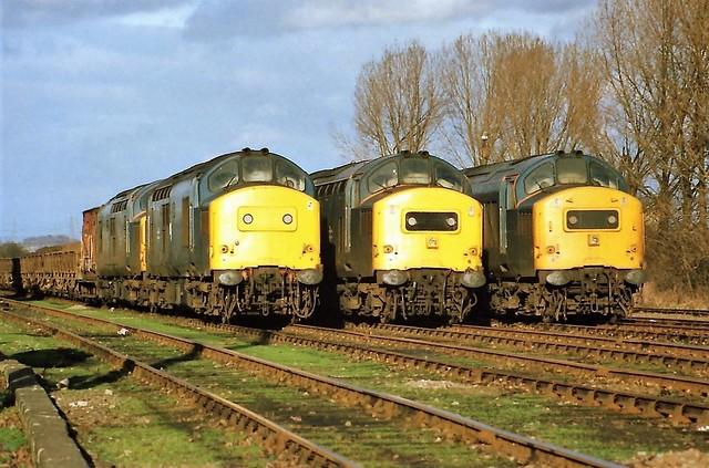 37251 & 096, 216 & 144 Broxbourne Up Yard 300188 (9T21, 7T20 & 7T19 track level)