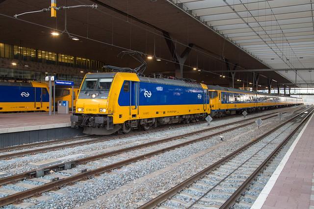 NS 186 023 Rotterdam Centraal
