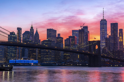 nyc ny newyork newyorkcity bridge brooklyn water sunset purple sky skyline architecture city oneworldtrade lowermanhattan manhattan dusk sunrise river