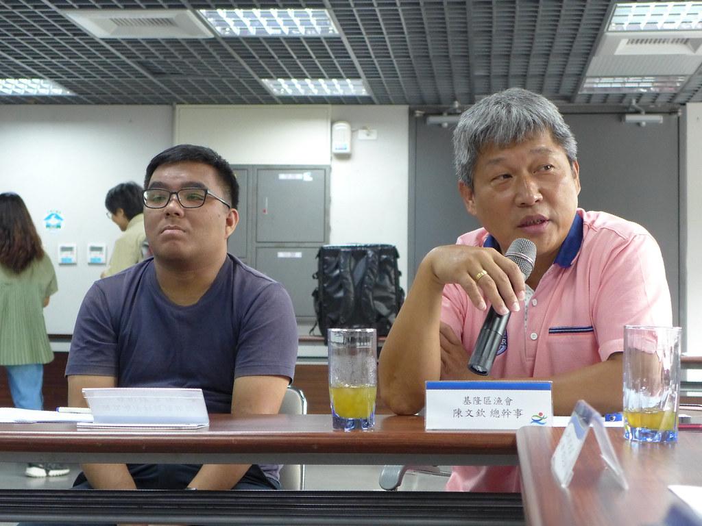 基隆區漁會總幹事陳文欽指出,對於漁船隨意棄置垃圾應該加強取締。孫文臨攝