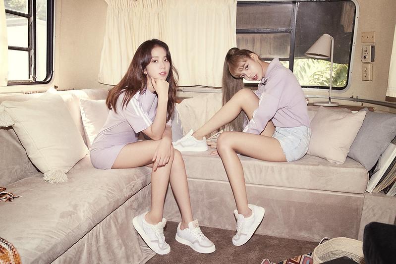 Lisa & Jisoo_1