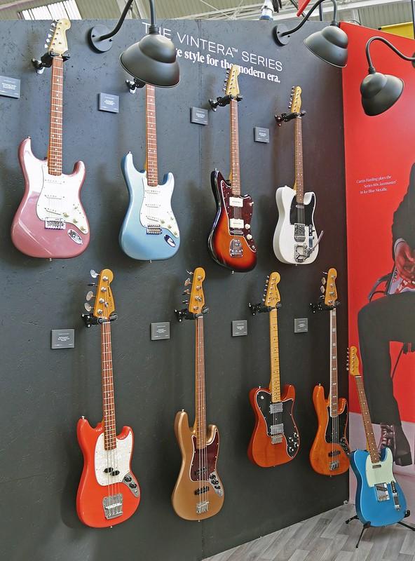 Fender (1)