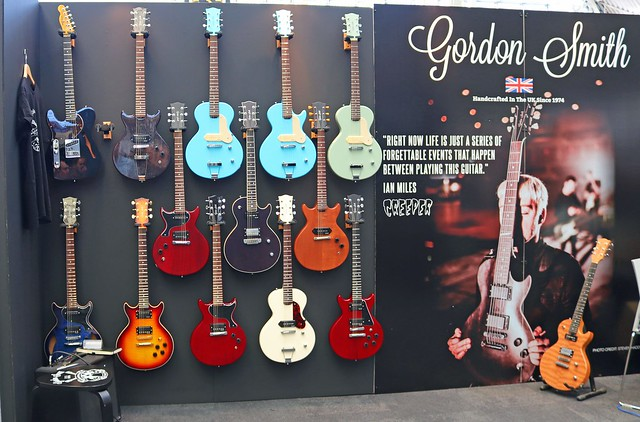 Gordon Smith Guitars (1)