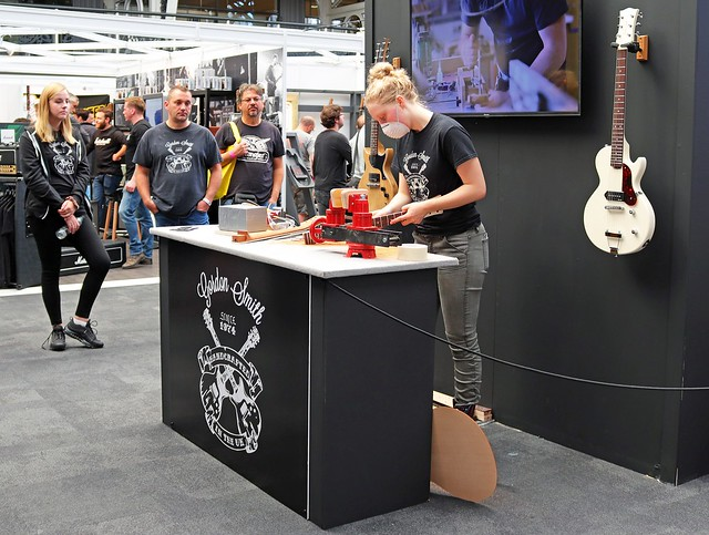 Gordon Smith Guitars (4)
