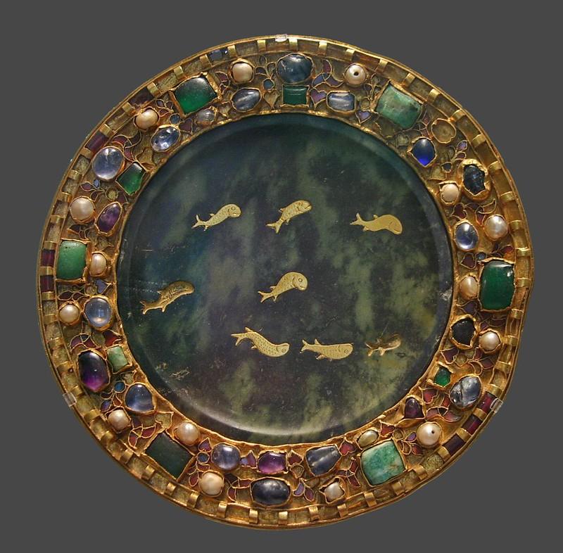 43 Дискос (патена). Из сокровищницы Собора Сан-Дени Эпоха Каролингов IX в.