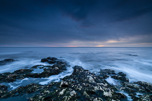 blastbeach seaham seascape dawn sunrise moody bluehour waves rocks overcast canon760d sigma1020mmf456exdchsm ndsoftgrad06 countydurham durhamcoast