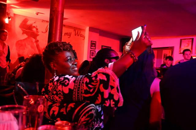 DSC_9229 Troy Bar Spirit & Soul Open Mic Singers Hoxton Street Shoreditch London with Starlene Bey from Philadelphia Selfie Photo