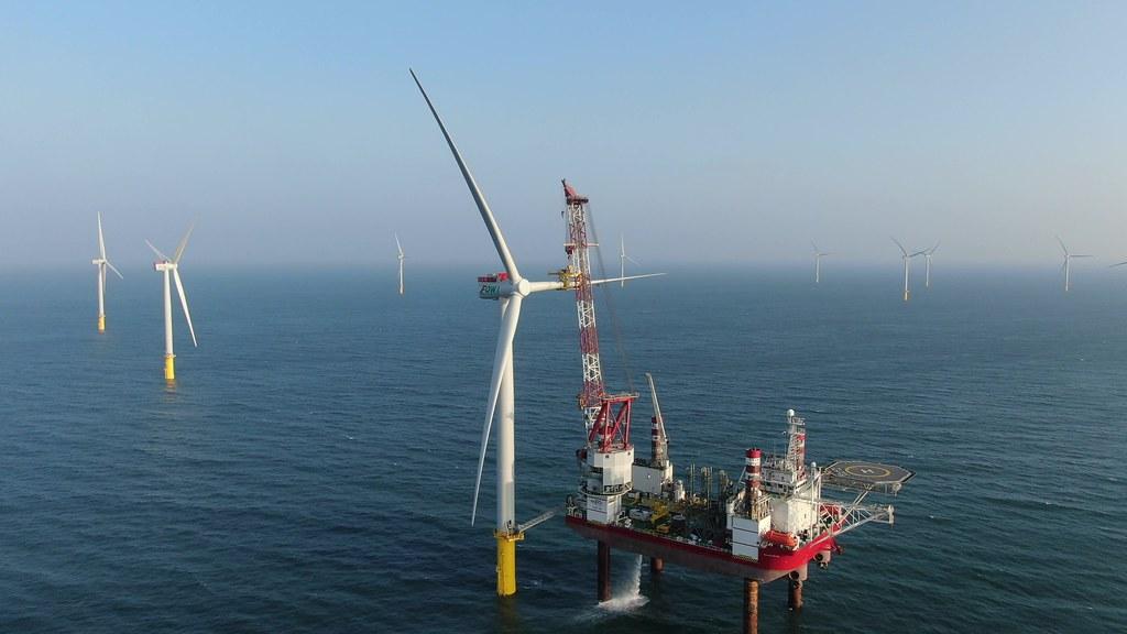 台灣首座具商業規模的離岸風場--海洋風電(Formosa 1)22支風機全數施工完成。照片來源:海洋風電