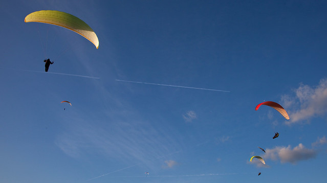 6 Skylarks Paragliders @ South Downs