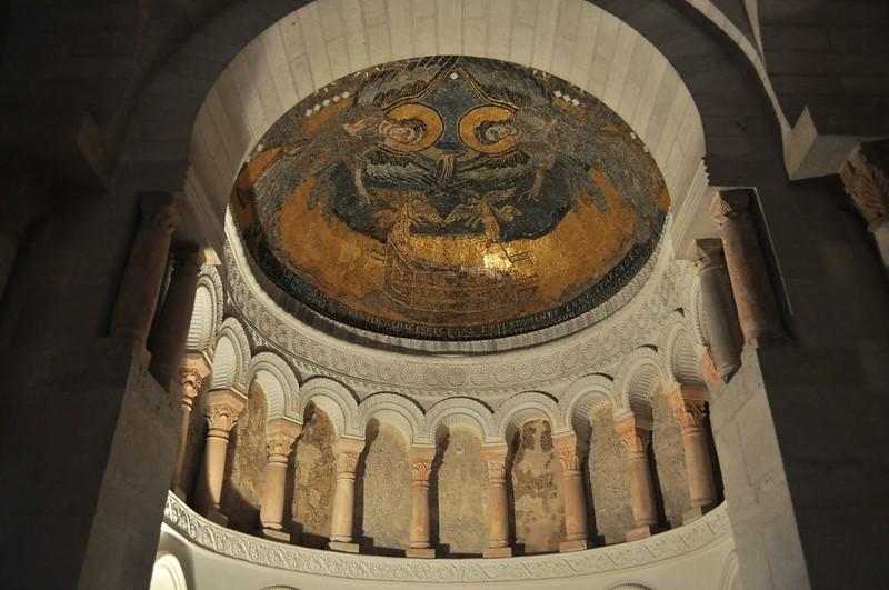 47 Абсида в церкви Жерминьи-де-Пре
