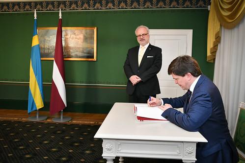 Valsts prezidents Egils Levits tiekas ar V. E. Zviedrijas Karalistes parlamenta (Riksdāga) spīkeru Andreasu Norlēnu (H. E. Mr Andreas Norlén)