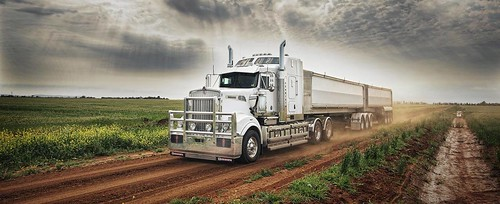 Review del Kenworth T909