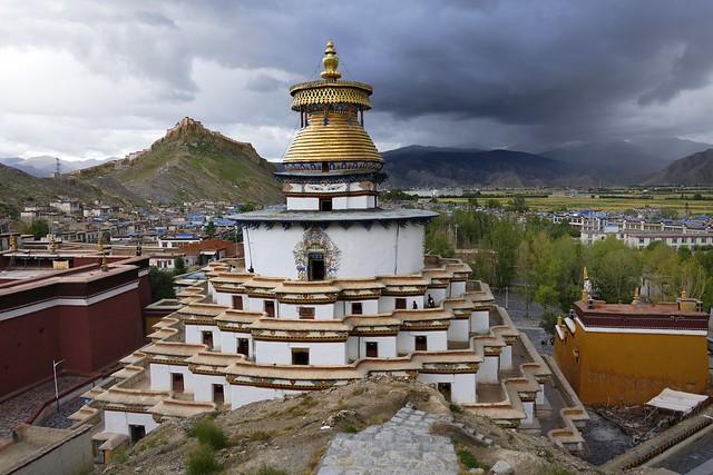 Kumbum chorten and Gyantse Dzong, Tibet 2019