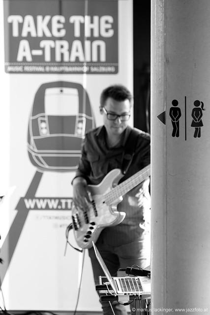 Lukas Kranjc: bass