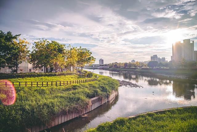 美麗的益群橋畔 | the Beautiful view of the bridgeside
