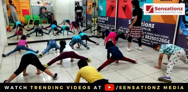 Stretching exercise session in 5pm- 6pm batch was held at our Rohini Branch