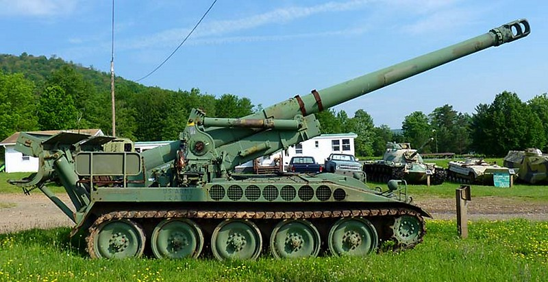 M110 Self Propelled Howitzer 1