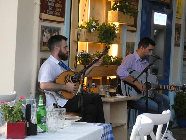 bouzouki et guitare