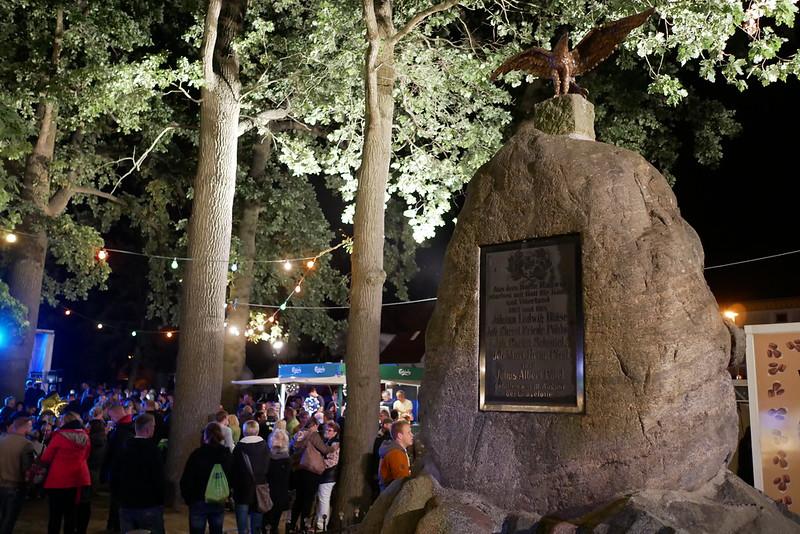 Denkmal auf der Dorfaue