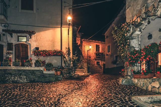 la pioggia nel borgo