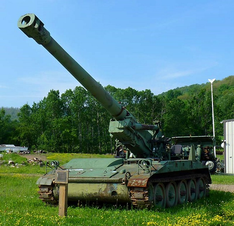 M110 Self Propelled Howitzer 2
