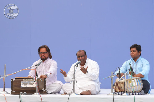 Devotional song by Swaran Baldev and Saathi, Rohini, DL