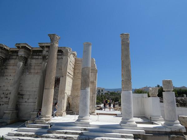 colonnes de la bibliothèque d'Hadrien