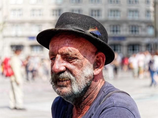 PORTRAIT OF A STREET PAINTER