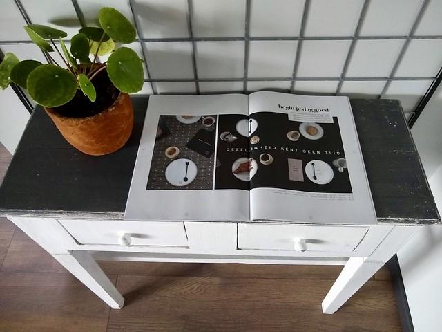 Sidetable oud tafeltje pannenkoeken plant