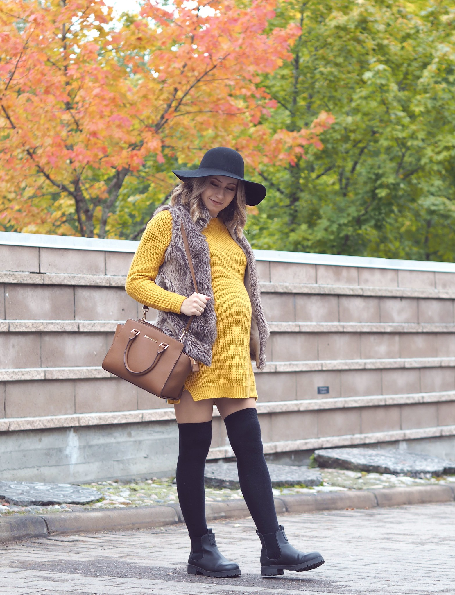 mustard knit noisy may
