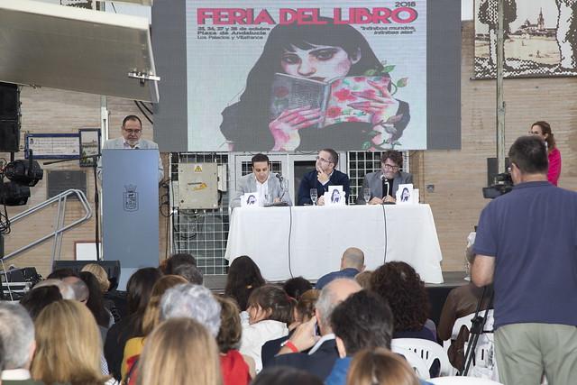 Acto I Certamen poesía Feria del Libro de Los Palacios y Vfca (foto de archivo)
