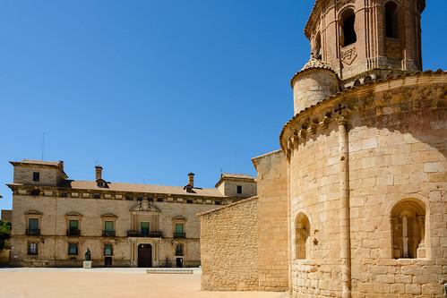 Iglesia de San Miguel y Palacio de los Hurtado de Mendoza