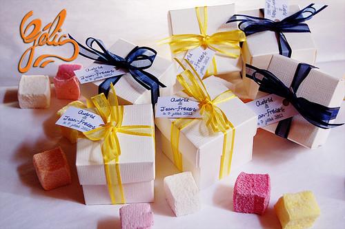 Boîte cube carton avec 8 guimauves 2,85€