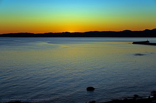 sunset sundown twilight pacific ocean salishsea juandefuca water beautyofwater ogdenpoint breakwater victoria