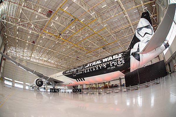 LATAM B777-300ER PR-MUA Star Wars 3 (LATAM)