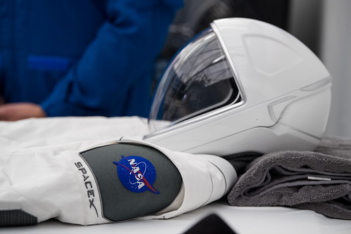 NASA Administrator Visits SpaceX HQ (NHQ201910100011)
