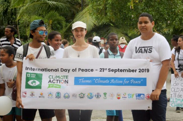 Seychelles-2019-09-21-UPF-Seychelle's Peace Day Events Attract More Than 300 Marchers