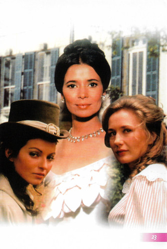 Marie-José Nat, Brigitte Fossey and Marie-France Pisier in Les Gens de Mogador (1972)