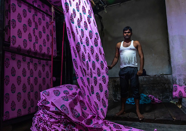 Indian worker in a saree factory, Rajasthan, Sanganer, India