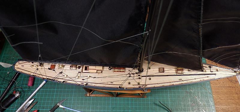 Endeavour 1934 - yacht J-class - 1:80 Amati - Page 4 48879227498_b430143e0c_c