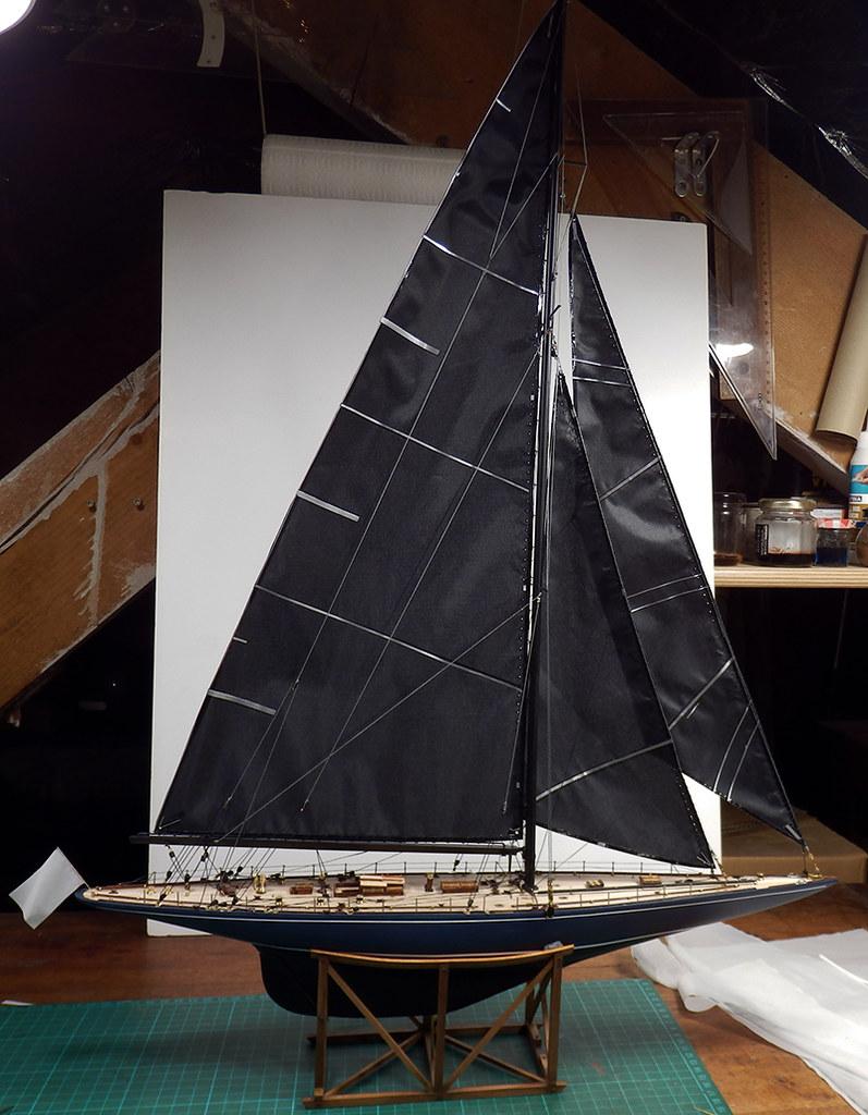 Endeavour 1934 - yacht J-class - 1:80 Amati - Page 4 48879230308_022d07e552_b