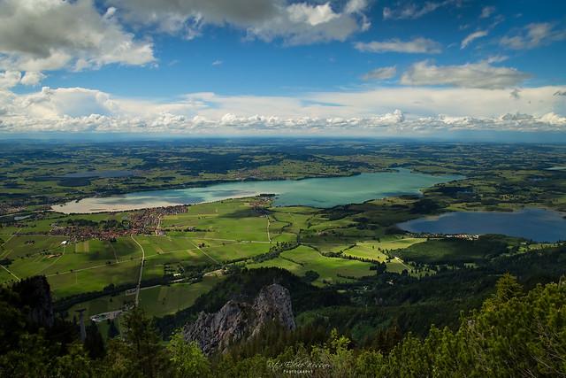 Blick vom Tegelberg, Allgäu, mit Bannwaldsee, Forggensee und Hopfensee
