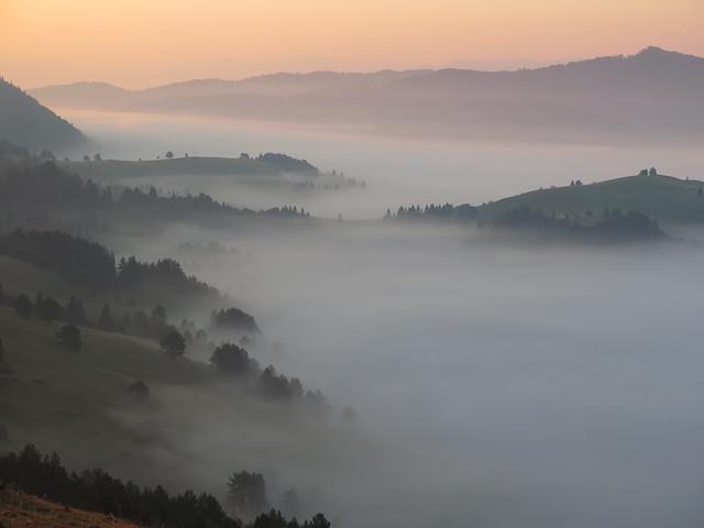 Pienińskie mgły o świcie