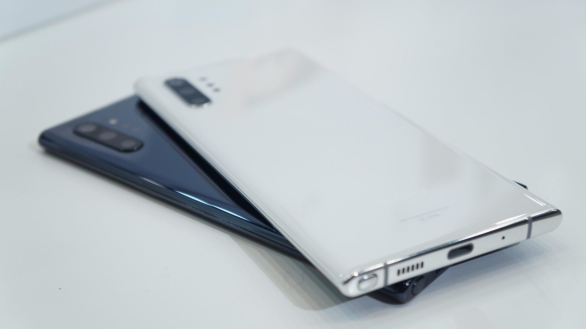 Galaxy Note10+ フォトレビュー - オーラを纏ったボディ