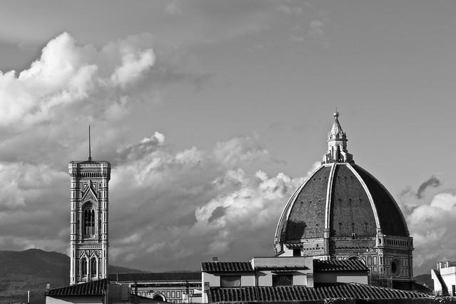 Il campanile e la cupola.