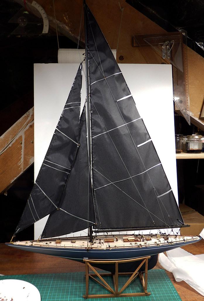 Endeavour 1934 - yacht J-class - 1:80 Amati - Page 4 48879765781_894d5a30b2_b