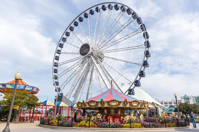 Tourist attraction in Chicago: Ferris wheel at Navy Pier