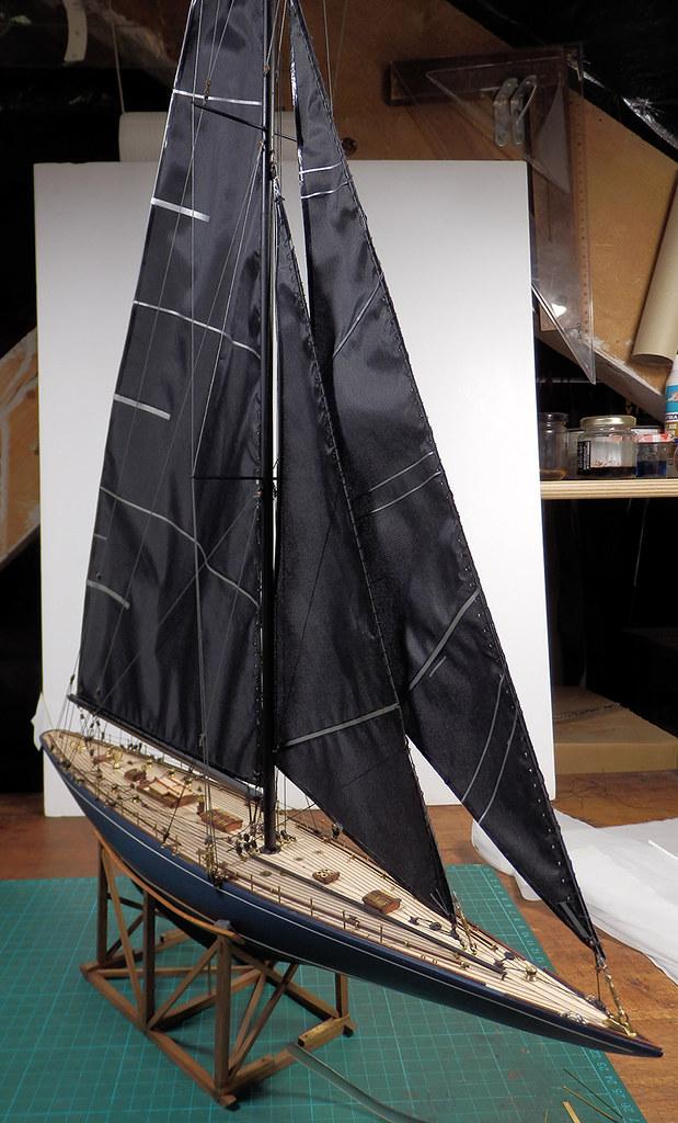 Endeavour 1934 - yacht J-class - 1:80 Amati - Page 4 48879955467_4075e2622b_b
