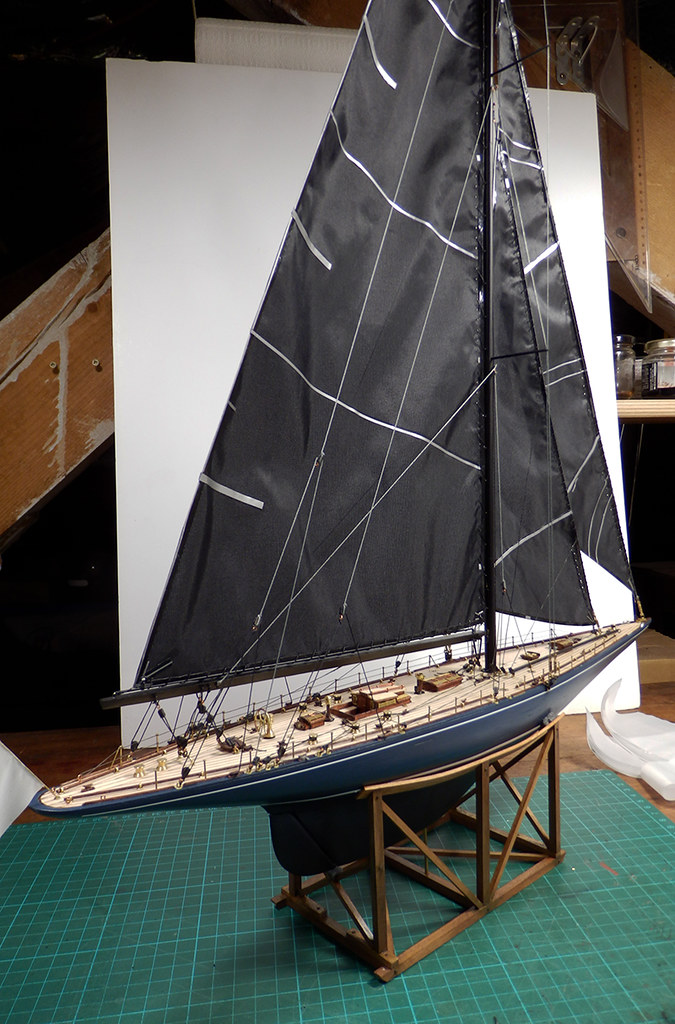 Endeavour 1934 - yacht J-class - 1:80 Amati - Page 4 48879957822_4bee12a150_b